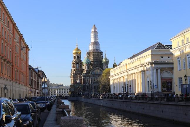 Les canaux de St-Petersbourg & La Cathédrale St-Sauveur du Sang versé (St Petersbourg)